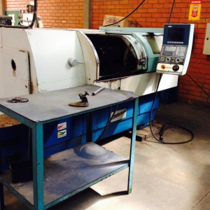 LOTE 002 - Torno automático CNC Nardine