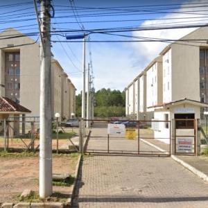 """LOTE 400 - APARTAMENTO Nº 304, BLOCO """"06"""", INTEGRANTE DO """"CONDOMÍNIO RESIDENCIAL MORADAS DO PINHEIRO II"""", SITO A AVENIDA JOÃO ANTÔNIO DA SILVEIRA Nº 7.365"""